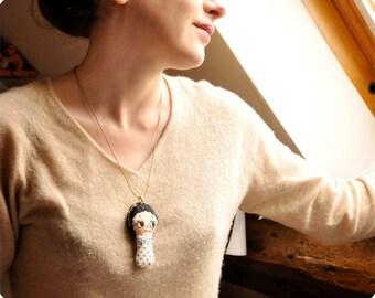 Brunette retro doll necklace