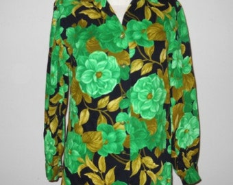 SALE WAS 24 NOW 20 Vintage Green and Black Floral Button Down