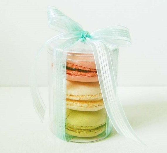2 Circle french macaron or cookie box