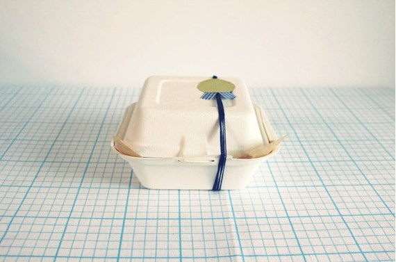 10 Paper food containers for wrapping  (Clam shell type)