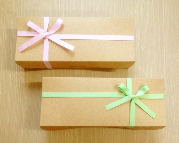 10 arched boxes in 4 colors -long type
