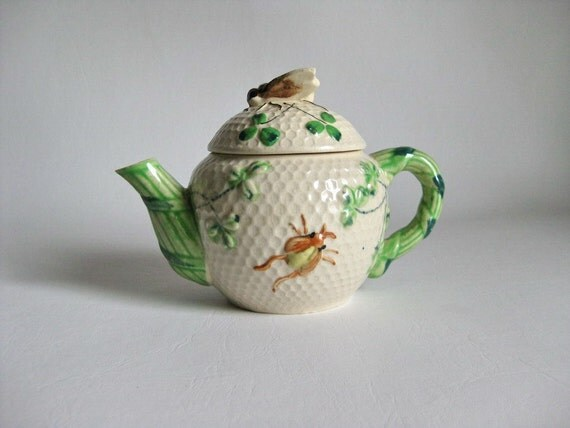 1960s Tea Pot Figural Bee Handle Japan