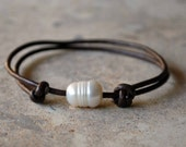 Olivia Bracelet - Pearl and Leather