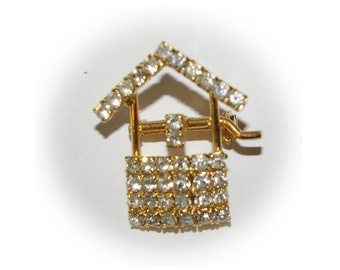 Vintage Wishing Well Brooch with Rhinestones 1970's