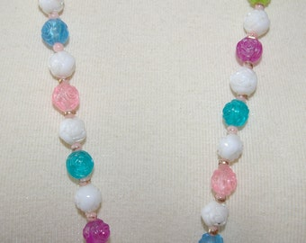 Multi Color Rose Beaded Necklace Vintage 1960's 1970's