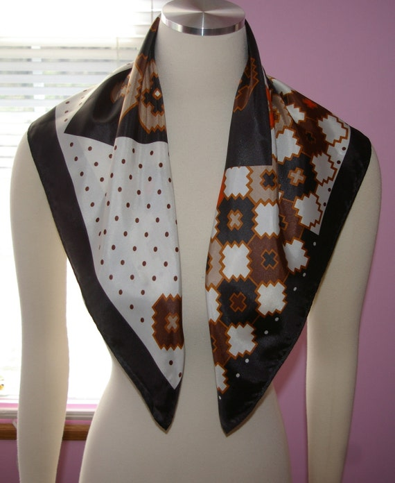 Abstract Scarf Black and Whitef By TotesWater Repellent  Vintage Stamped 1975