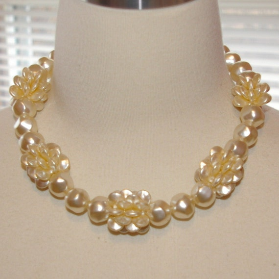 Cream Pearls and Cluster Flower Necklace  Vintage 1970's