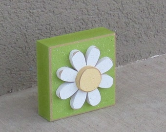 Lime Green 3-1/2 inch square DAISY BLOCK for Easter, Spring, girl room and home decor
