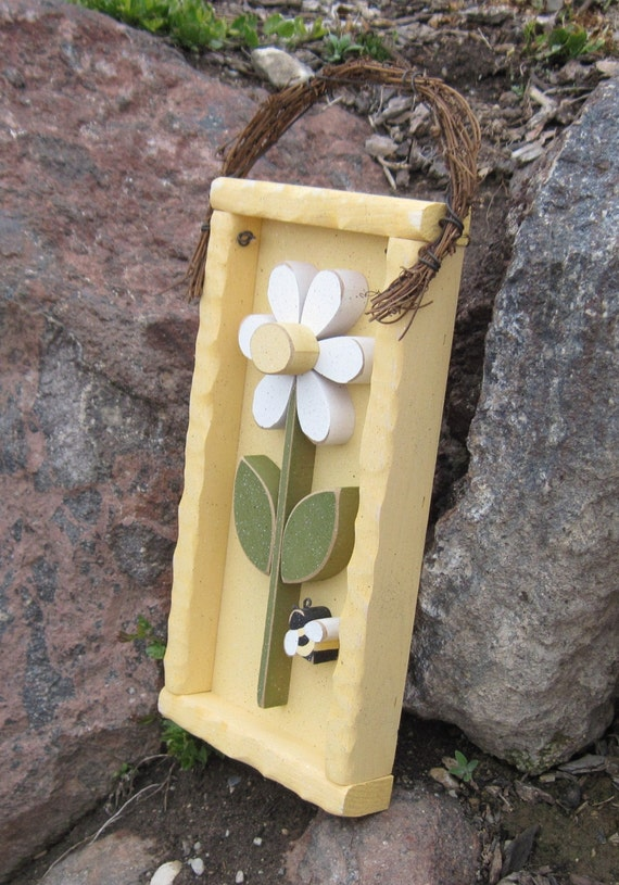 DAISY FRAME with STEM and bee (Yellow with white flower) for girl, wall hanging and home decor