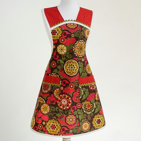 SALE 20% OFF Thanksgiving Retro Apron Red Green and Chocolate Brown