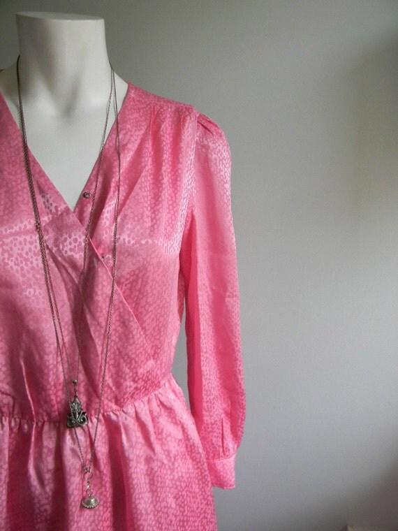 vintage. 70s Pink Handmade Silk Blend Wrap Dress