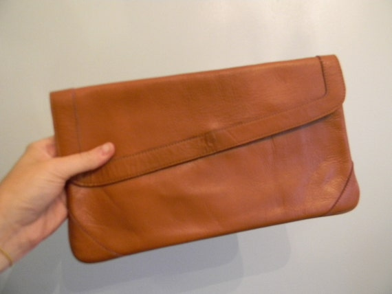 vintage. 70s A NIGHT OUT Sienna Leather Clutch / India