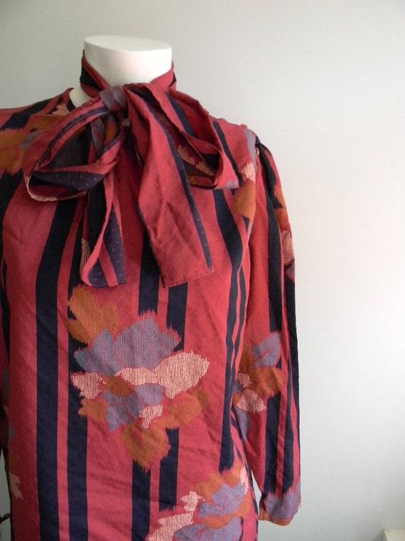 vintage. 70s Unique Red Secretary Shirt
