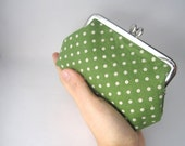 metal frame pouch-green polka dots