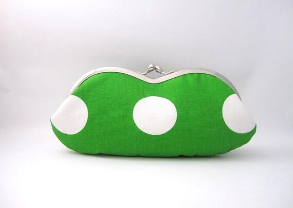 sunglasses /eyeglasses case-green polka dots- snap case