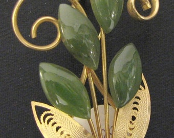 Vintage 1950s Gold Tone Jade and  Carnelian Brooch Pin