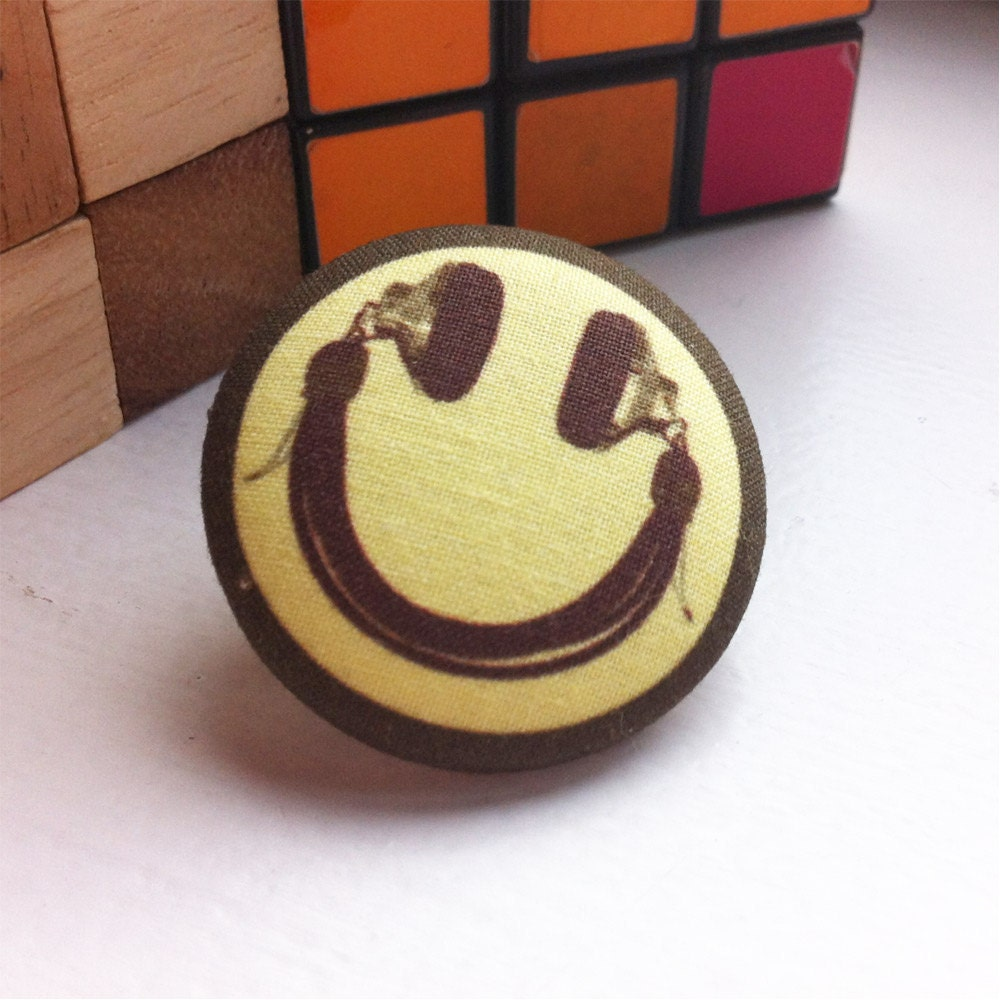 Smiley face pin dj headphone tie tack 90 39 s rave tie pin for What do you know about acid house music