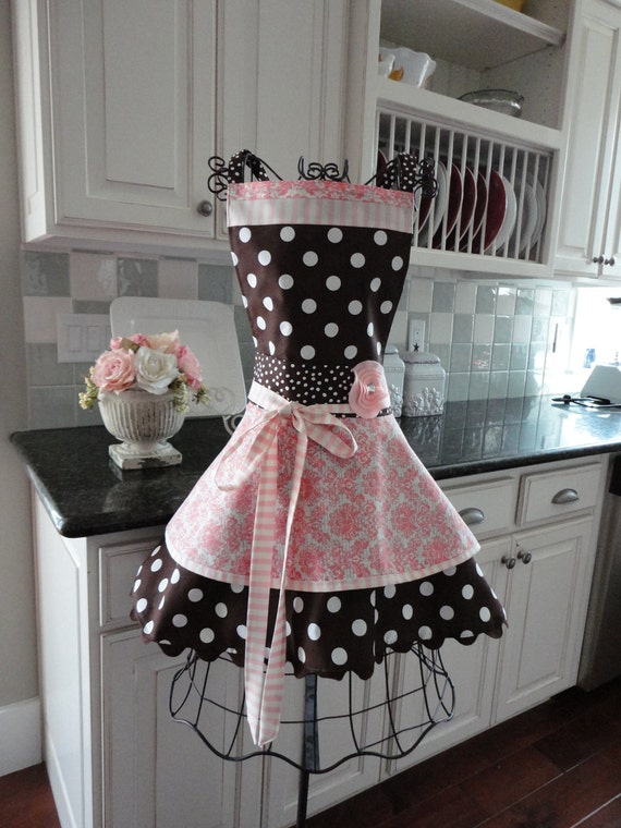 "4RetroSisters ""Annabelle""  Soft Pink Damask & Chocolate Brown - Retro Modern Womens Full Apron"