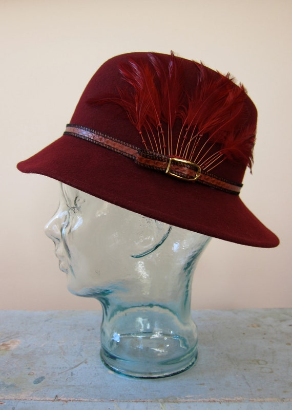 Bollman Burgundy Fedora Vintage Beaded Feathers Buckled Band 100% Wool Doeskin Felt Gorgeous Color & Condition