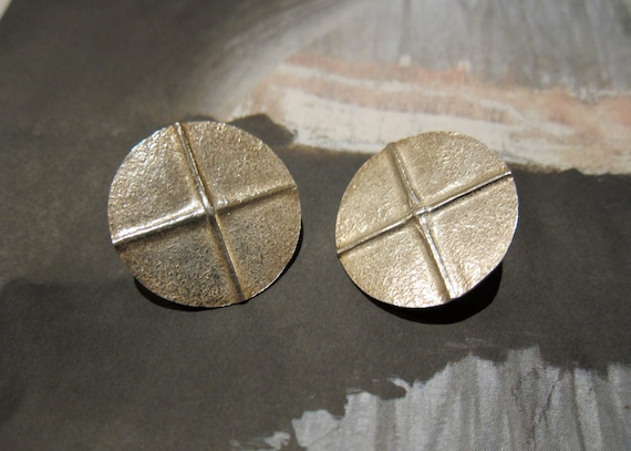 Modernist Sterling Earrings LOEBER LOOK Large Textured Gleaming Hand Forged Circles Very Early Design Clip On free gift box