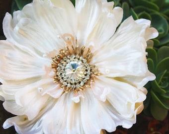 wedding accessories, bridal hair clip, champagne bridal flower hair clip sparkly rhinestones