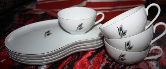 Vintage Fukagawa Arita Wheat Pattern - set of 4 coffee cups and snack trays