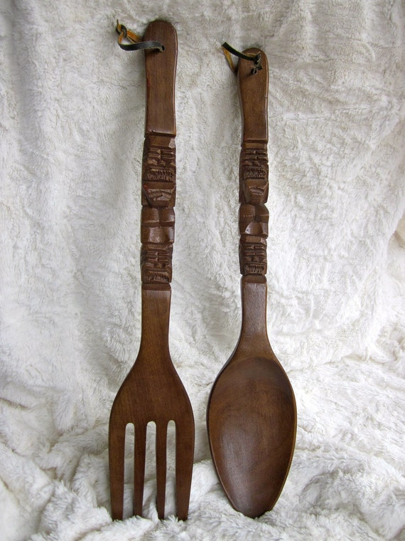vintage oversized wooden tiki fork spoon set wall decor. Black Bedroom Furniture Sets. Home Design Ideas