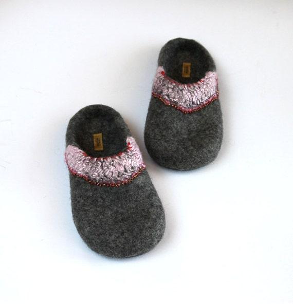 Sale - Handmade felted slippers - US 9-10 UK 7 EU 40 - Ready to ship