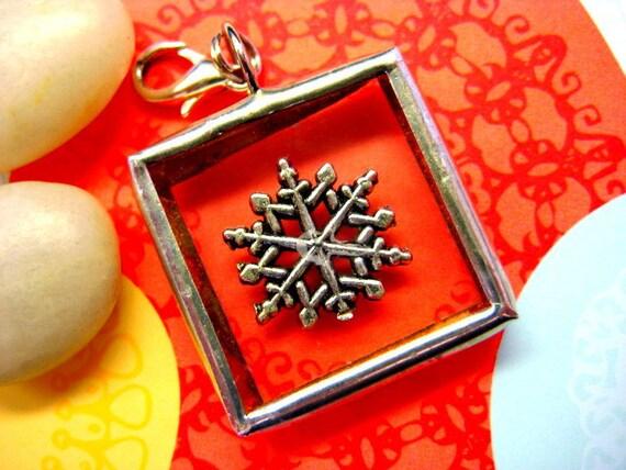 SALE  Metal Snowflake Soldered Pendant Under Glass