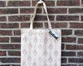 Trunk Hinge Market Tote, in Champagne