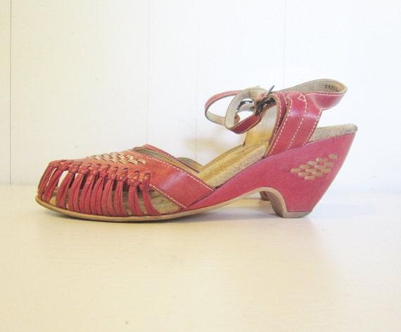 sandals vintage bohemian 70s size 8 wedge heel woven leather metallic