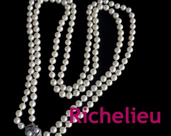 RICHELIEU signed,beautiful pearls and lock,