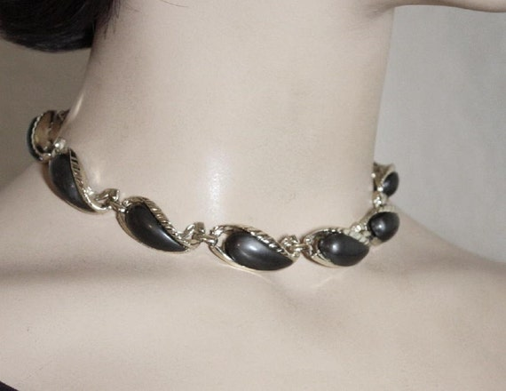 VINTAGE 50s 60s Thermo Plastic Choker Necklace In Deep Steel Gray