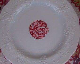 Souvenir Glass Days 1972 Milk Glass Harvest Grapes Plate by Indiana Glass