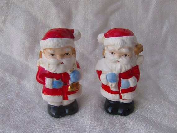 Vintage Santa Claus Christmas Salt and Pepper Shakers Japan Made