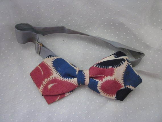 Very Vintage Adjustable Bow Tie Red White and Blue