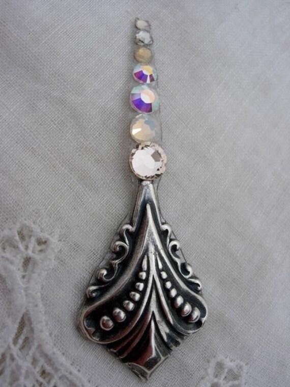 Silkworm Bindi