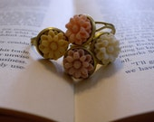 CLEARANCE ITEM: Flower ring in light pink