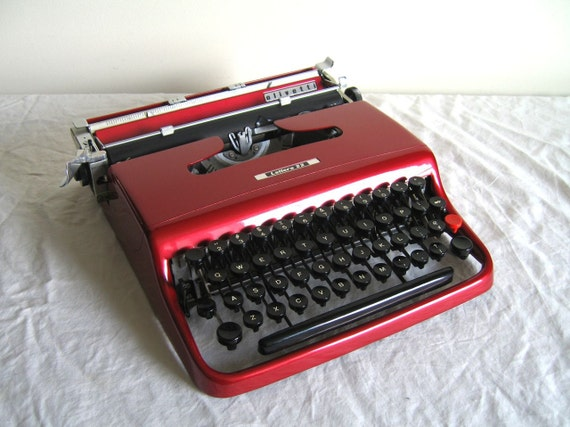RSVD for Sam - SALE - Wine Red Olivetti Lettera 22 Typewriter - Made in Italy - Daisy - Professionally Serviced