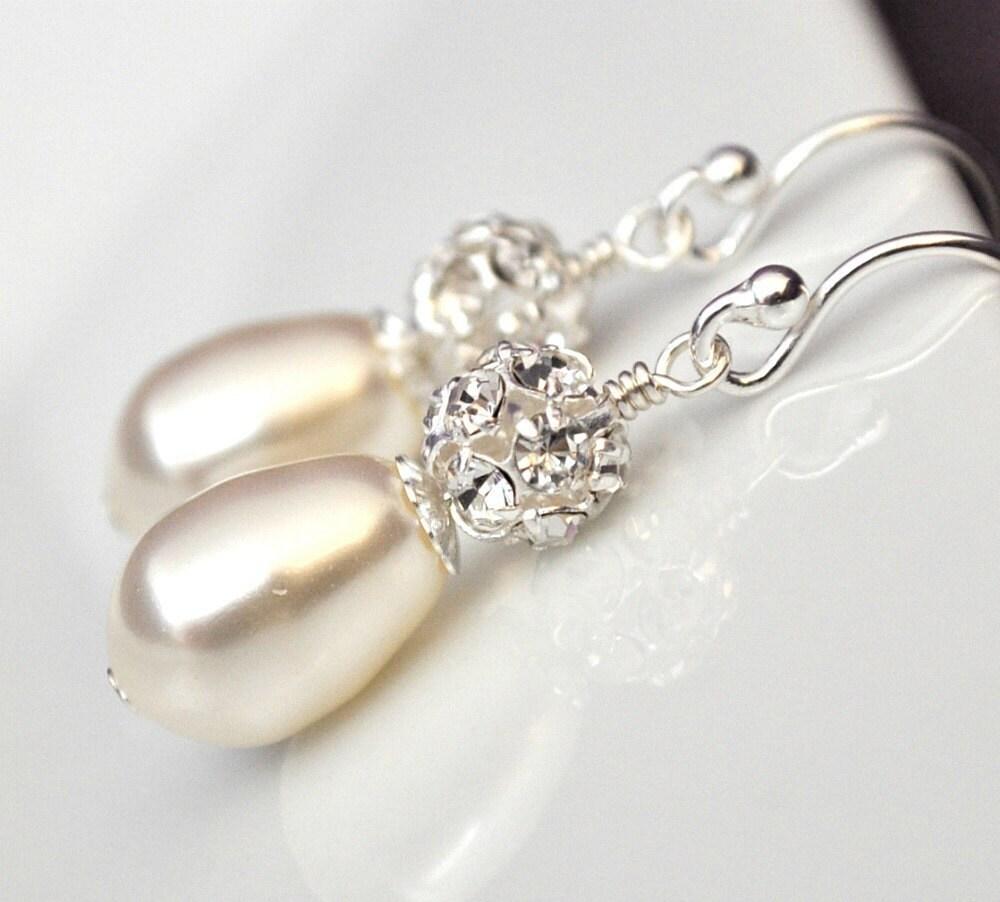 Vintage Style Earrings: Vintage Style Bridal Earrings Teardrop Wedding Earrings Art