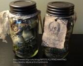 Primitive  style HALLOWEEN Jar Of Skulls