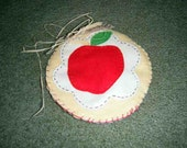 Apple for Teacher wool candle mat