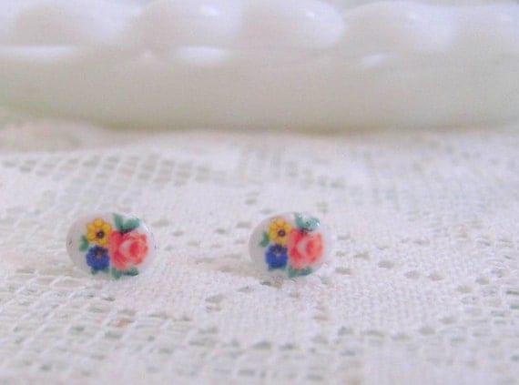 Sale: 50% off - Vintage Flower Boquet Cameo Stud Earrings