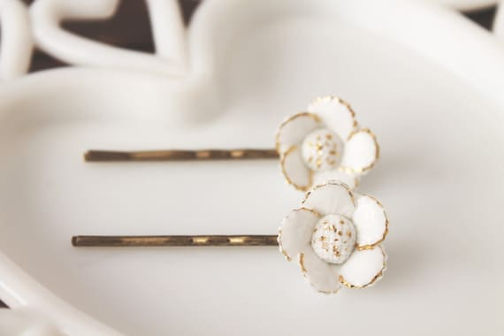 Vintage White & Gold Flower Hairpins
