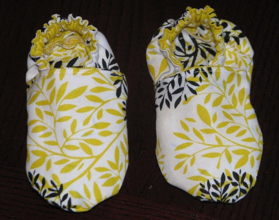Baby Slippers - Black and Yellow Vines