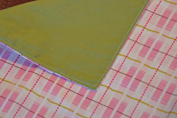 Placemats - Set of 4 Cheerful Pink and Green