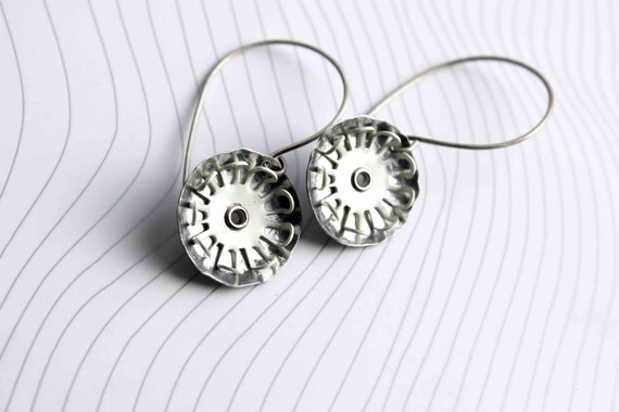 Industrial flower earrings  enamel off white flower on upcycled aluminum