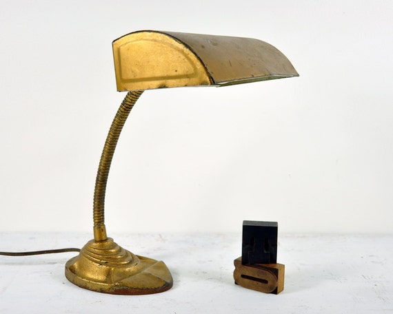 Vintage Industrial Desk Lamp / Industrial Light / Gooseneck Lamp