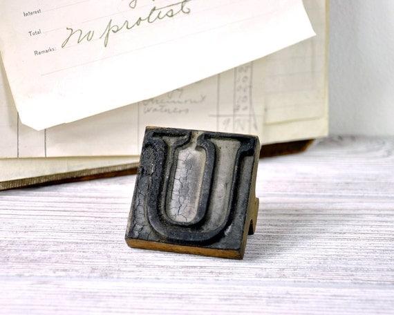 Vintage Rubber Stamp / Letter U