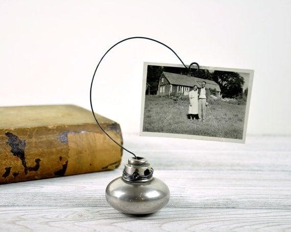 Vintage Door Knob Photo Holder / Wire Picture or Card Holder